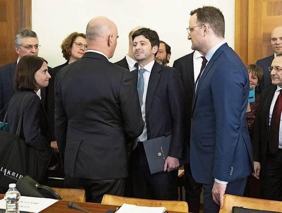 Auf engstem Raum: Berset trifft in Rom Italiens Gesundheitsminister.