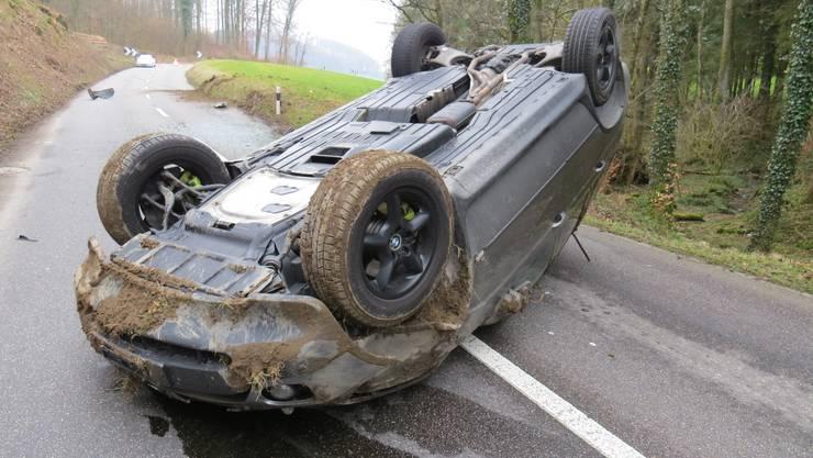 Der Lenker war mit seinem BMW vermutlich zu schnell unterwegs.