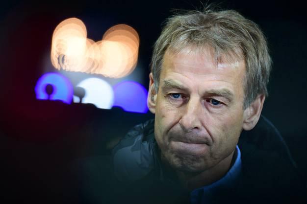 Ex-Hertha-Trainer übt scharfe Kritik.