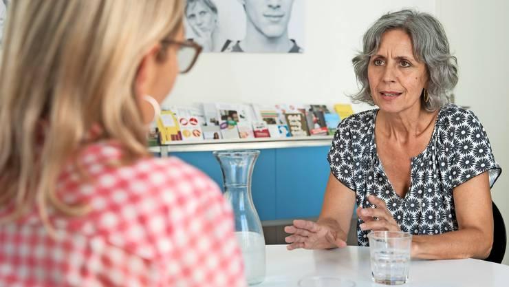 Giuliana Lamberti (rechts) will den Eltern den Druck nehmen, unter dem sie während der Ausbildung ihrer Kinder stehen.