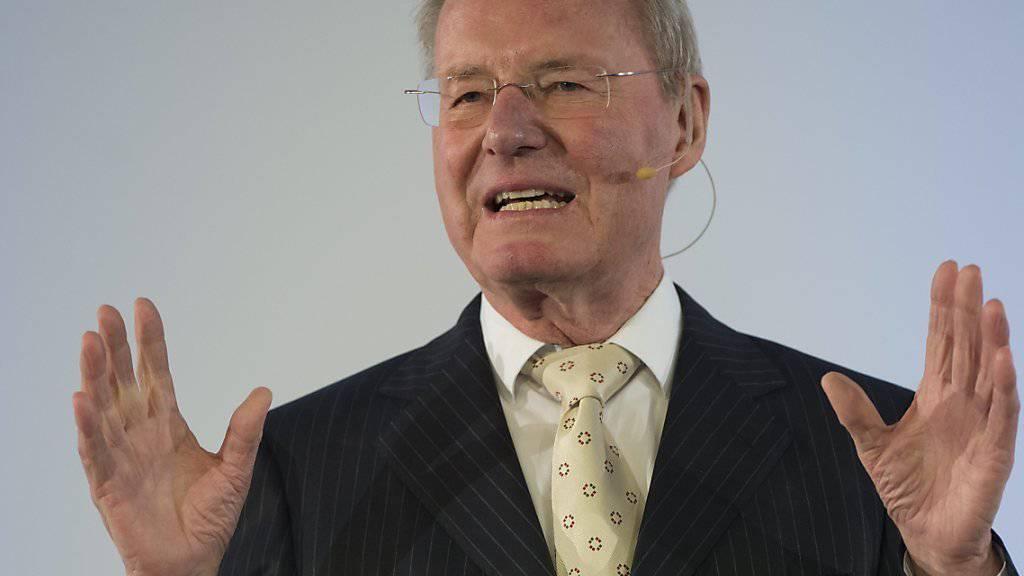Der Wirtschaftsmann Hans-Olaf Henkel kehrte der AfD den Rücken. Jetzt erhält wie andere Abtrünnige Drohbriefe. (Archivbild)