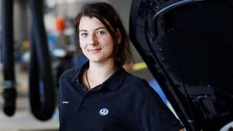 Anna Tschudin arbeitet gerne als Automobil-Mechatronikerin.