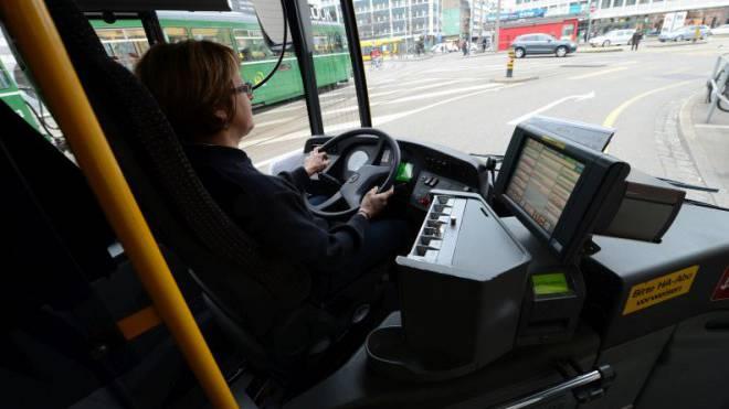 Wenn die Polizei Zweifel an der Fahreignung eines Lenkers hat, kann sie ihm den Führerschein vorsorglich per sofort entziehen.  Foto: Juri Junkov
