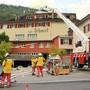 Am frühen Samstagabend kam es im Hotel Schwert an der Hauptstrasse in Netstal aus ungeklärten Gründen zu einem Brand. Um zirka 16.55 Uhr meldeten Passanten Rauch und Feuer. Die alarmierte Feuerwehr konnte den Brand rasch unter Kontrolle bringen. Verletzt wurde laut Kantonspolizei Glarus niemand.