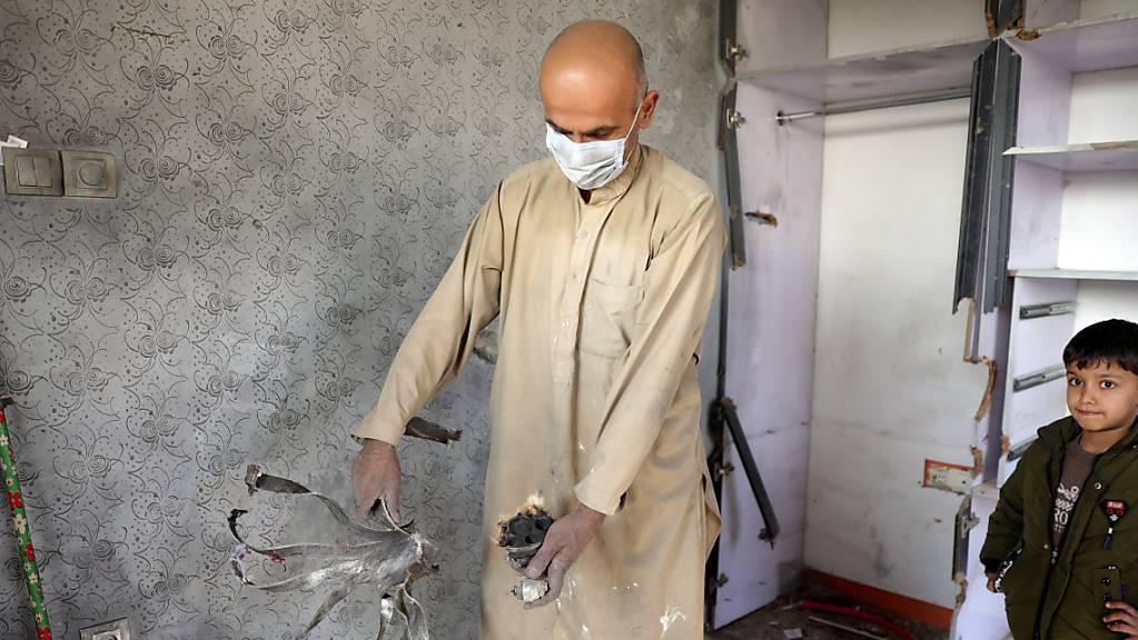Beim Einschlag zahlreicher Mörsergranaten in Kabul sind mindestens acht Menschen getötet worden.
