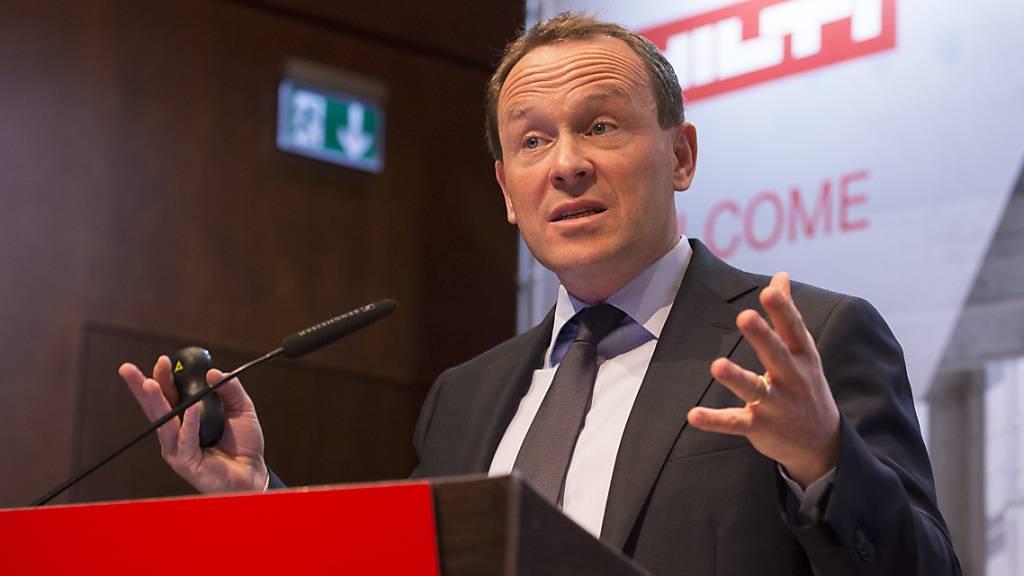 Hilti-Chef Christoph Loos muss einen deutlichen Gewinnrückgang im Coronajahr 2020 verkünden. (Archivbild)