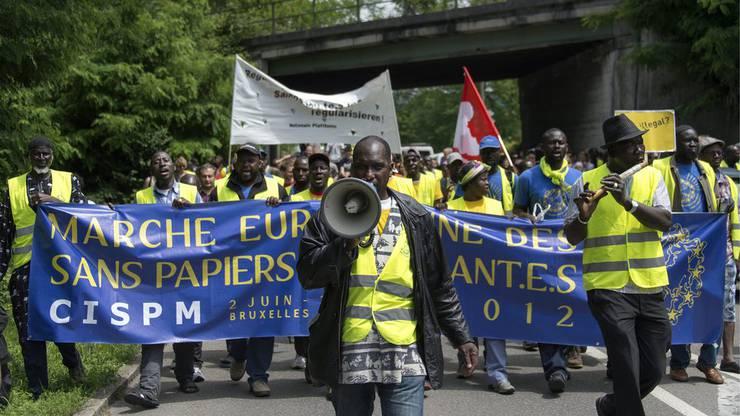 Die Initianten des europäischen Marsches der Sans Papiers setzen sich für Kollektive Regularisierung der Sans Papiers und gleiche Rechte für alle ein.