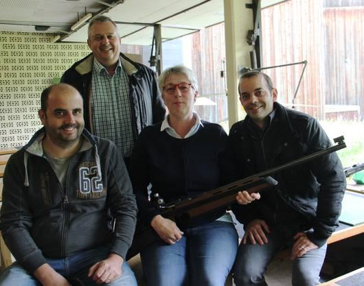 Keine Lorbeeren für Albisrieden (vr) Christoph Benedetto (Sieger 2017), Monika Rapold (Siegerin 2015), Thomas Greuter (2. 2016), Patrick Benesetto).