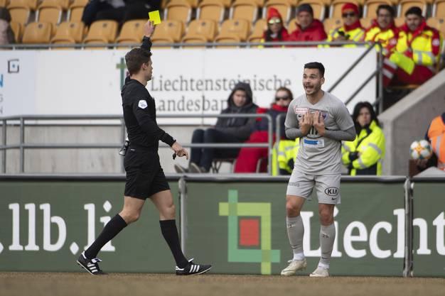 In der ersten Halbzeit wurden bereits drei Aarauer Spieler verwarnt.