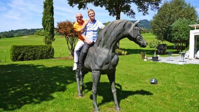 Auf zu neuen Ufern: Rolf Knie mit Sohn Gregory. Foto: Ho