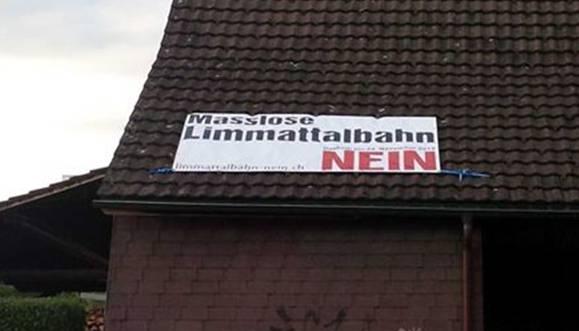 Ein Plakat, das das Nein-Komitee nach Ansicht der Stadtverwaltung hätte bewilligen lassen müssen, – gepostet auf der Facebook-Seite eines Mitglieds.