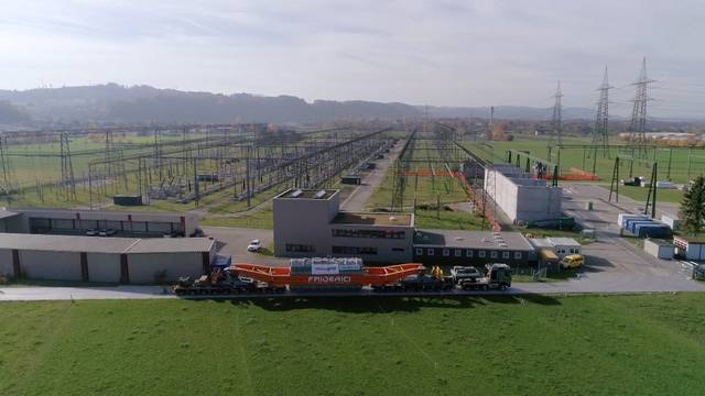 1400 Tonnen schwerer Transformator gebaut