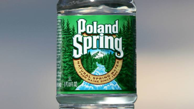 """Gegen die Mineralwassermarke """"Poland Spring"""" - im Besitz des Schweizer Nahrungsmittelriesen Nestlé - ist in den USA eine Sammelklage von elf Kunden eingereicht worden. (Archivbild)"""