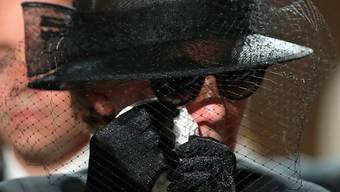 Maike Kohl-Richter an der Beerdigung ihres verstorbenen Mannes: Die Witwe erbt eine Entschädigung über eine Million Euro nicht, entschied ein Gericht in Köln.