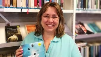 Die Aescher Bibliothekarin Regina Scherrer hat beim Lesen beeindruckt, dass Philipp Gurt nie seinen Mut verlor und immer wieder neue Überlebensstrategien entwickelte.