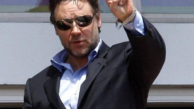 Russell Crowe präsentiert sich in Cannes
