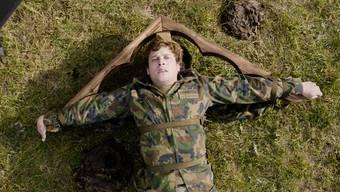 Szene aus «Achtung, Fertig, WK!» mit Traumstart in Schweizer Kinos