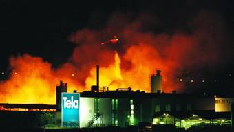 Grossbrand der Papierfabrik Tela in Niederbipp am 19. Juli 1996