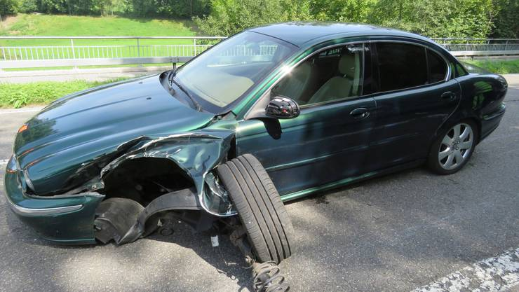 Der beschädigte Jaguar.