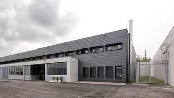 Das Zentralgefängnis Lenzburg hat 107 Plätze – nun soll ein Neubau mit 60 weiteren Plätzen realisiert werden.