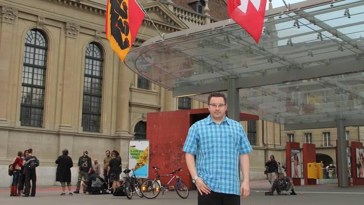 «Bern tut dem Herzen gut», sagt Tiziano Colella beim Fototermin beim Bahnhof der Bundeshauptstadt.