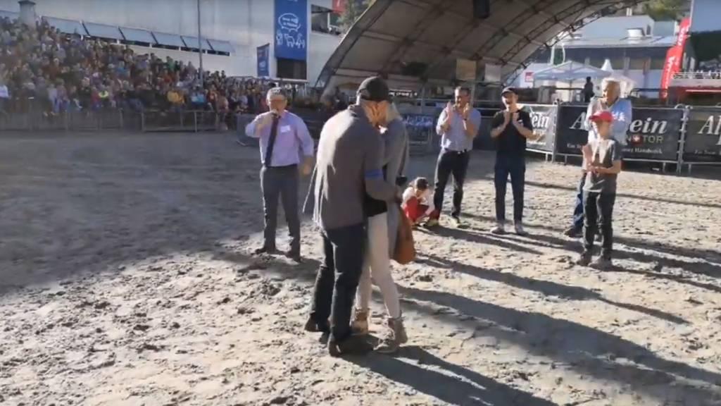 Olma-Besucher macht Freundin während Säulirennen einen Antrag