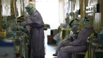 China meldet wieder leicht steigende Zahlen von Coronavirus-Infizierten und -Toten. (Archivbild)