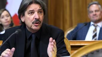 Der Ständerat will eine Regelung für Whistleblower, aber keinen Kündigungsschutz. Paul Rechsteiner (SP/SG) beantragte vergeblich, einen solchen im Gesetz zu verankern.
