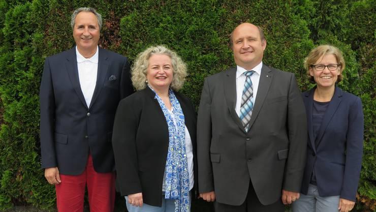 Von links: Felix Hug, Präsident Wahlkampfteam, Marianne Benguerel-Kiefer, Präsidentin FDP Amtei Olten-Gösgen, nominierter Regierungsratskandidat Peter Hodel und Lucia Kaiser, Mitglied des Wahlkampfteams.