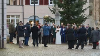 Hochzeitshotspot Arlesheim: Auf dem Dorfplatz wird das ganze Jahr gefeiert, auch im Dezember.