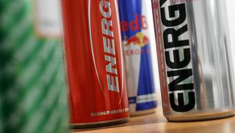 Viele Jugendliche konsumieren regelmässig Energy Drinks.
