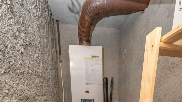 Abgase dieses Wassererhitzers in einem Maiensäss führten möglicherweise zum Tod eines 25-jährigen Mannes im Puschlav.