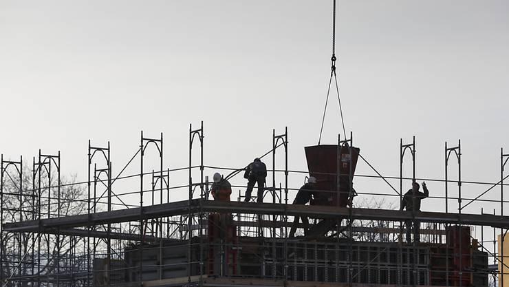 Fünf Kantone dürfen vorerst kein Bauland mehr einzonen. Das hat der Bundesrat entschieden. (Archivbild)