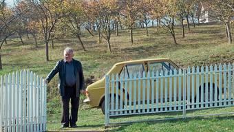 Mit einem alten Zastava durchs ehemalige Jugoslawien: Budimir «Budo» sucht Menschen für ein Klassentreffen.