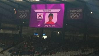 Eklat in Glasgow: Für Nordkorea wird die Südkorea-Flagge gezeigt.