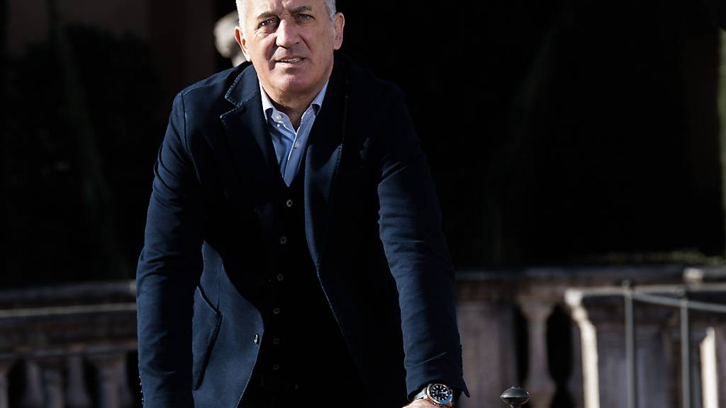 Petkovic sieht Bordeaux' letzten Test auf der Tribüne