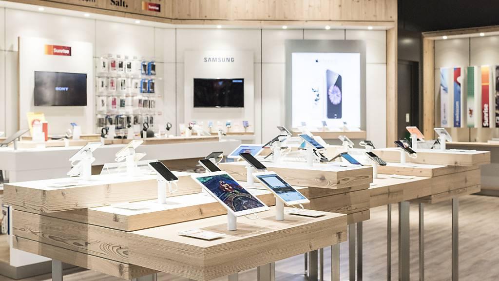 Die Kundenzahlen in den Mobilezone-Läden gingen wegen der Einschränkungen in der zweiten Welle um einen Fünftel zurück. (Archiv)