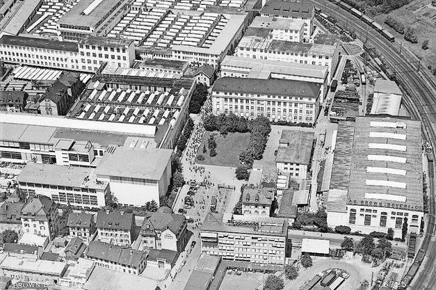 Glanzzeiten der BBC: Das Fabrikareal in Baden anno 1952, in der Mitte das Gebäude 701.
