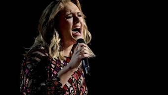 Popstar Adele hat die Scheidung von Ehemann Simon Konecki eingereicht. (Archiv)