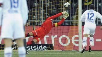 YB-Goalie Wölfli kassiert das 0:1