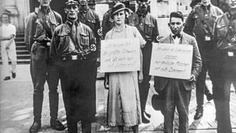 Im Rahmen von den im November 1938 vom Naziregime in ganz Deutschland organisierten Gewalttaten wurden etwa in Hamburg Juden verfolgt, verschleppt und zur Schau gestellt. (Archivbild)