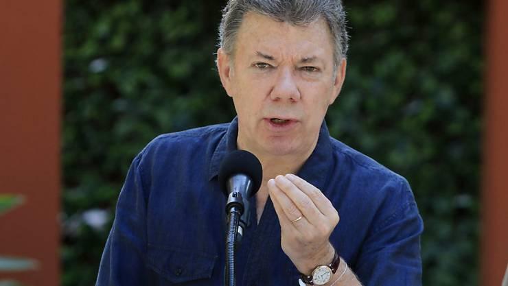 Kolumbiens Präsident Juan Manuel Santos entschuldigte sich, dass Sicherheitskräfte 1999 ein von rechten Paramilitärs verübtes Massaker mit elf Toten nicht verhinderten. (Archivbild)