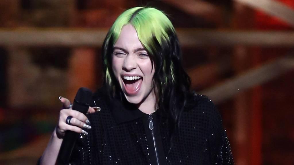 Billie Eilish färbt ihre Haare und Instagram dreht durch