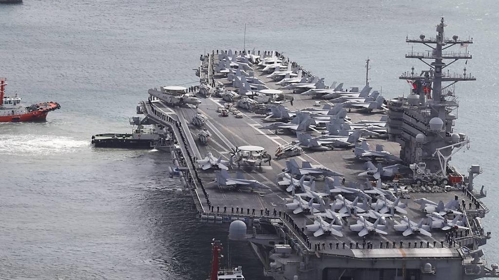 USA schicken zwei Flugzeugträger ins Südchinesische Meer