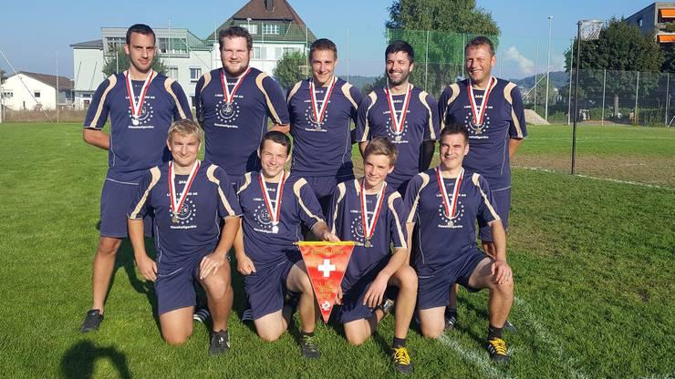 Im Team: Philipp Weber (Captain), Simon Keller, Michael Plüss, René Foroni, Markus Widmer, Benjamin Plüss, Patrick Brändli, Cédric Pfister, Kevin Baumann.