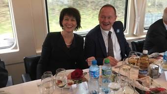 Unterwegs im Extrazug nach Winterthur: Bundesrätin Doris Leuthard und Nationalratspräsident Jürg Stahl