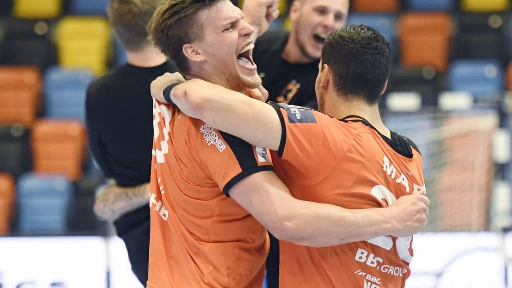 Nach 80 Minuten Kampf ist die Freude umso grösser: Die Kadetten Schaffhausen brauchten zwei Verlängerungen, um in den Playoff-Final einzuziehen