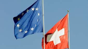 EU und Schweiz gemeinsam: So schnell wollen die Schweizer die Bilateralen nicht aufkündigen.