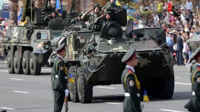 Miltärparade in der Hauptstadt Kiew