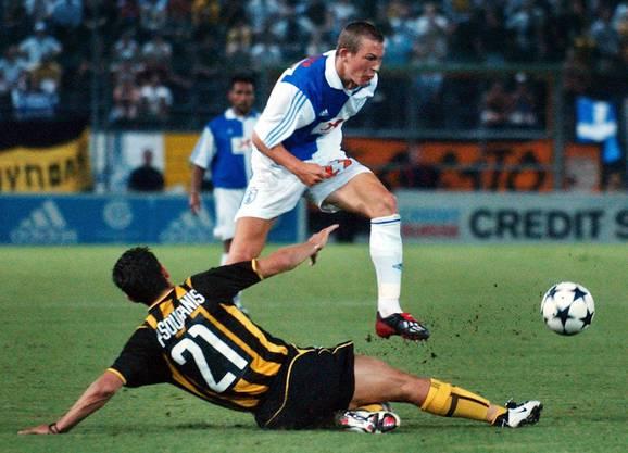 2003: Nachdem Lichtsteiner mit GC den Schweizer Meistertitel gewinnt, darf er gegen AEK Athen in der CL-Quali antreten.